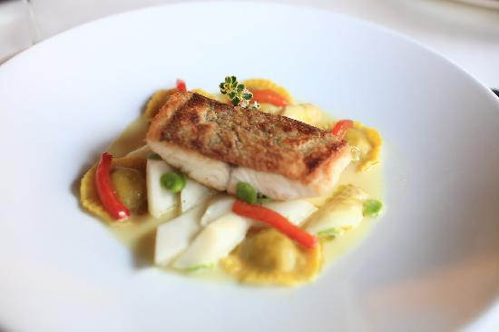 Mediocre fish dish - Picture of Restaurant Esszimmer, Salzburg - category esszimmer continued