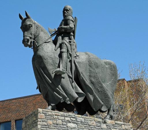 Manchester Travelodge Robert The Bruce Statue (calgary, Alberta) - All You Need
