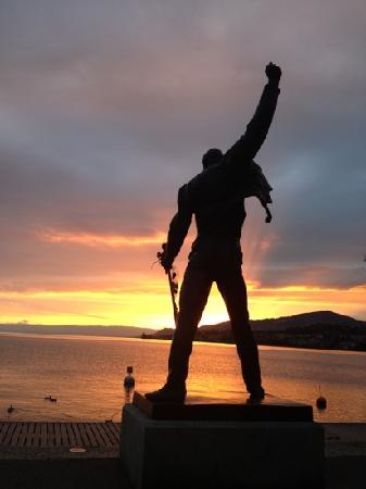 Keep Calm And Carry On Wallpaper Hd Silhouette Picture Of Freddie Mercury Memorial Montreux