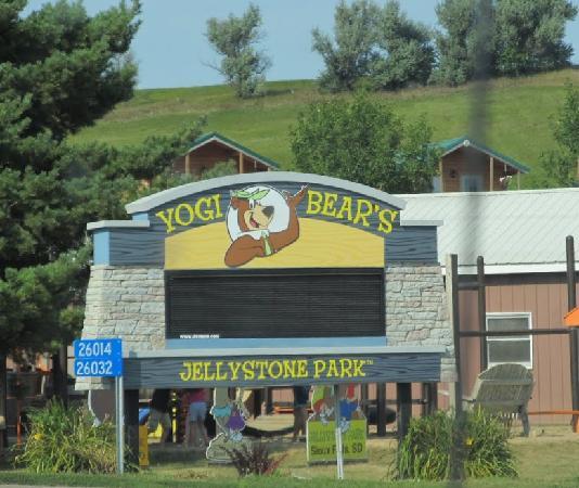 Niagara Falls Moving Wallpaper Yogi Bear S Jellystone Park Camp Resort Of Sioux Falls