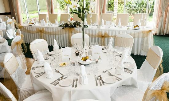 Wedding Reception - Round Table - Picture of Garden Room Restaurant