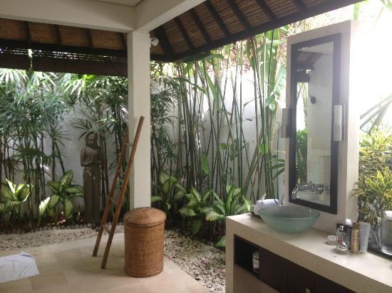 salle de bain exterieur sublissime - Picture of Villa Bali Asri