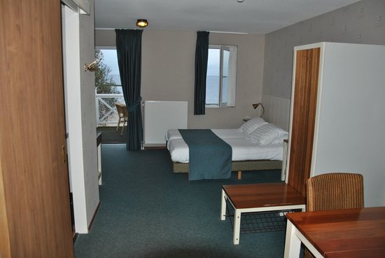 Nieuwe Zeedijk 1 Hellevoetsluis Cape Helius Beach Hotel - Updated 2017 Prices & Reviews