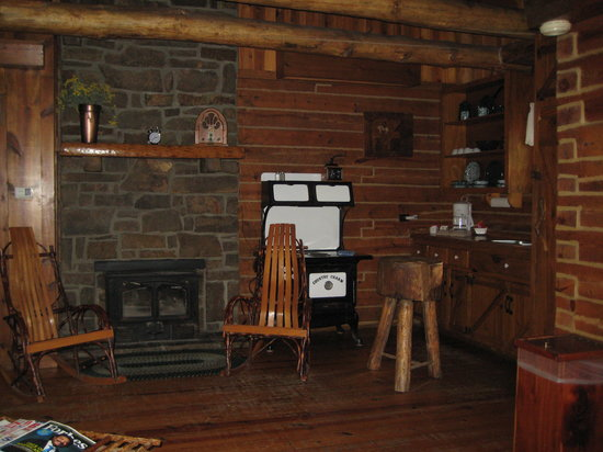 Woodsman Cabin Kitchen And Fireplace Picture Of Tanyard