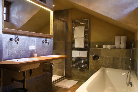 Badezimmer Ferienwohnung Edelweiss Chalet Alpin Heiligenblut