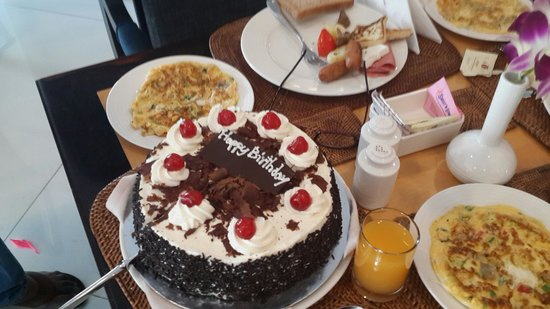 Sofa Price Lagos Dad's Surprise Birthday Cake And Some Omelette For