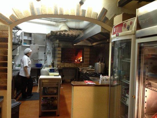 Offene Küche - Foto de Ginja, Estreito de Câmara de Lobos - offene kuche