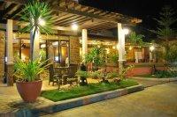 Biophilic, nature-inspired interior design - Picture of ...