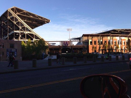THE 10 CLOSEST Hotels to Husky Stadium, Seattle - TripAdvisor - Find