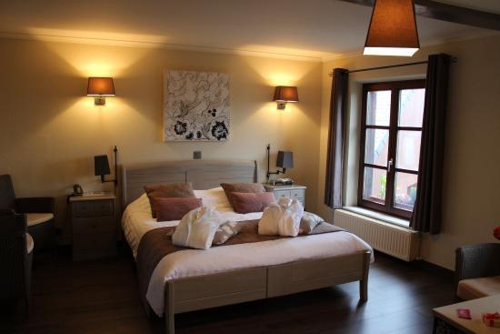 Chambre avec jacuzzi - Photo de Auberge de la Ferme, Rochehaut
