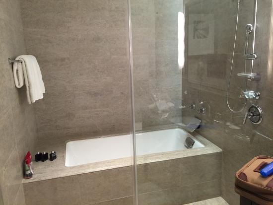 Styles 2014, Bath Shower Combo