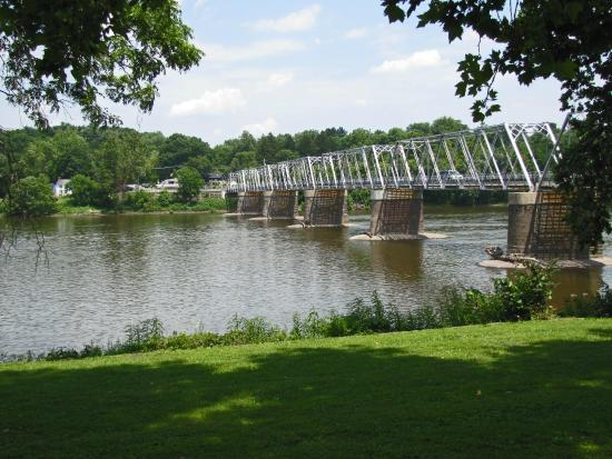 Delaware River crossing site from Pennsylvania - Picture of