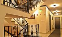 Stairs inside hotel - Bild frn Hotel Leon, Debar ...