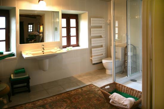 Buanderie Bathroom - Salle de bain - Buanerie - Petite Maison