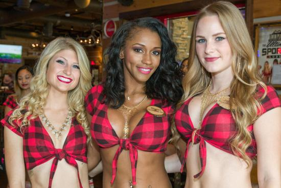 Twin Peaks Girls - Picture of Twin Peaks Restaurants, Davie
