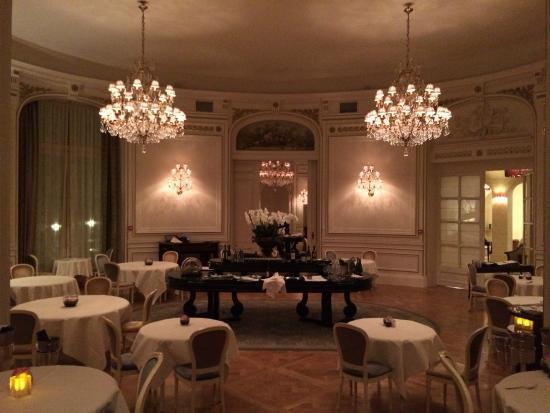 La Salle à Manger du restaurant - Picture of L\u0027Opera Restaurant, La