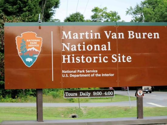 Martin Van Buren House - entrance - Picture of Martin Van Buren - House Advertisements