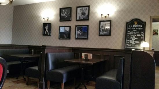 Bar - Salon - Salle à manger - Picture of Le Victorien, Montauban