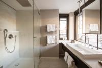 Badezimmer Design Superior - Picture of Hotel Alpenhof ...