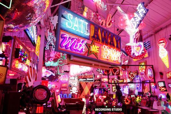 Fall Aesthetic Wallpaper Neon Paradise Picture Of Gods Own Junkyard London