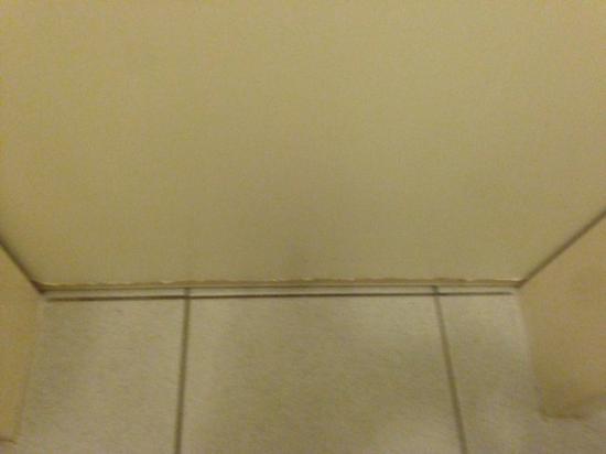 Badezimmer-schr-amp-auml-ge-109 k amp uuml che mit dachschr amp - badezimmer dachschr amp auml ge