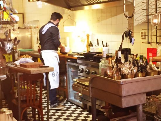 offene Küche - Picture of Balthazaru0027s Keuken, Amsterdam - TripAdvisor - offene kuche
