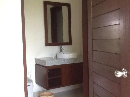 Salle de bain avec douche et baignoire - Picture of Lili House Ubud - Salle De Bain Avec Douche Et Baignoire