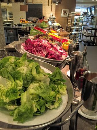 fresh garden market salad bar - Picture of Cafe BLD at Renaissance