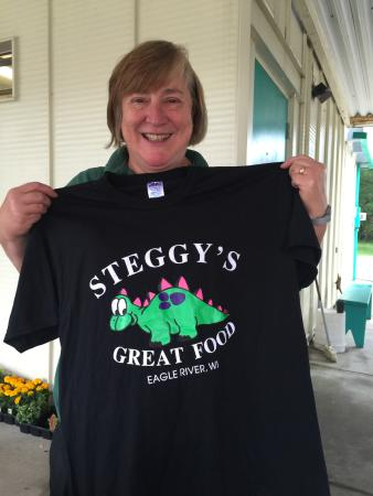 Our lovely order taker shows off a t-shirt - Picture of Steggy\u0027s