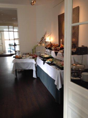A little surprise every day - Picture of Aussen Alster Hotel - aussen alster hotel