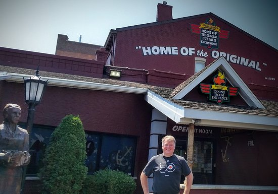 Flyers fans welcome! - Picture of Anchor Bar, Buffalo - TripAdvisor