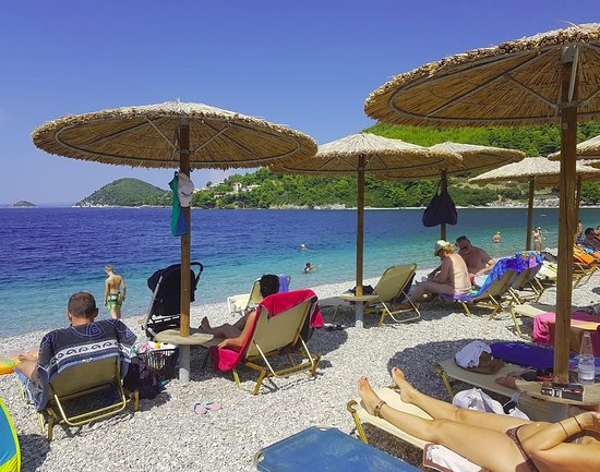 Typical day at the beach - Picture of Panormos Beach, Panormos