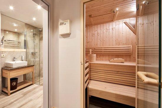Alpenwohnen - Beispiel - Badezimmer mit Sauna - Bild von Das - badezimmer mit sauna