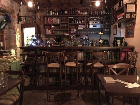 Marvlvs Library Jazz Bar