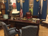 The set from the West Wing Oval Office-amazing props ...