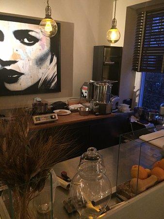 Offene Küche wo alles selbst gemacht wird - Picture of Zurlinden - offene kuche