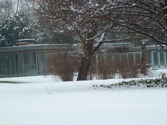 Im Esszimmer - Picture of Kanzlerbungalow, Bonn - TripAdvisor - category esszimmer continued