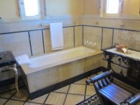 Cottage Bathroom - Picture of Hearst Castle, San Simeon ...