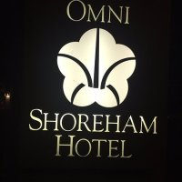 Front entrance sign and logo - Picture of Omni Shoreham ...