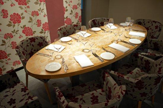 Tisch 1 Für 8 Personen   Picture Of Restaurant Esszimmer Im   Esszimmer 8  Personen