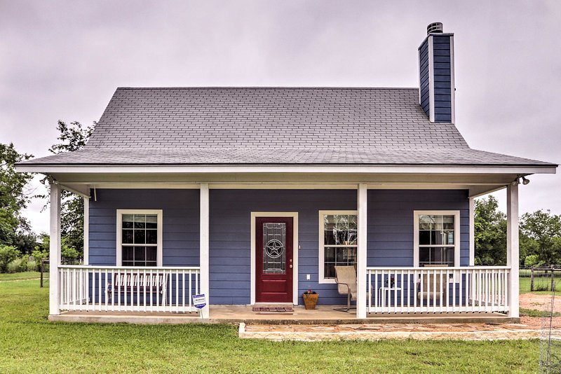 Blanco39s 39blue Cottage Inn39 W Patio Grill Porch Updated