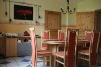 Grozgiges Wohnen mit kleinen Laden im historischen Haus ...