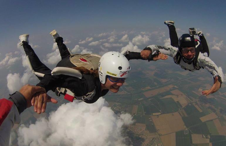 Aff Skydiving Course In Bologna