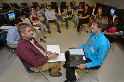 Buckhorn High students get expert advice on searching for a job AL