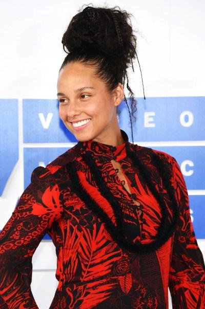 Alicia Keys Didn't Wear Any Makeup at the VMAs | Allure