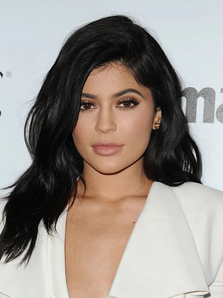 Hair Wig To Kylie Jenner Just Chopped Her Hair Off Allure