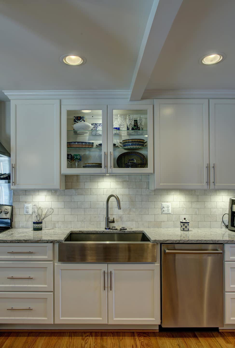 Kitchen Cabinets Under Lighting Under Cabinet Lighting Angie 39s List