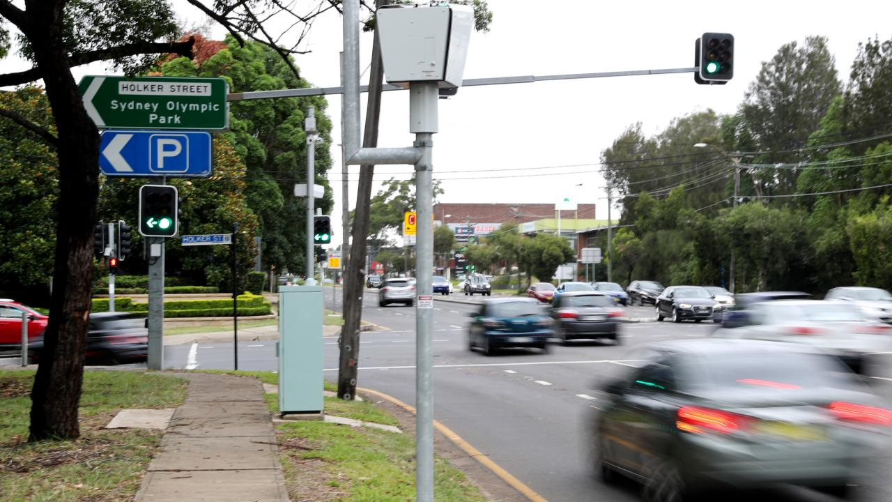 Light Shop Anzac Highway Speed And Red Light Cameras Rake In 511 000 A Day Northern Star