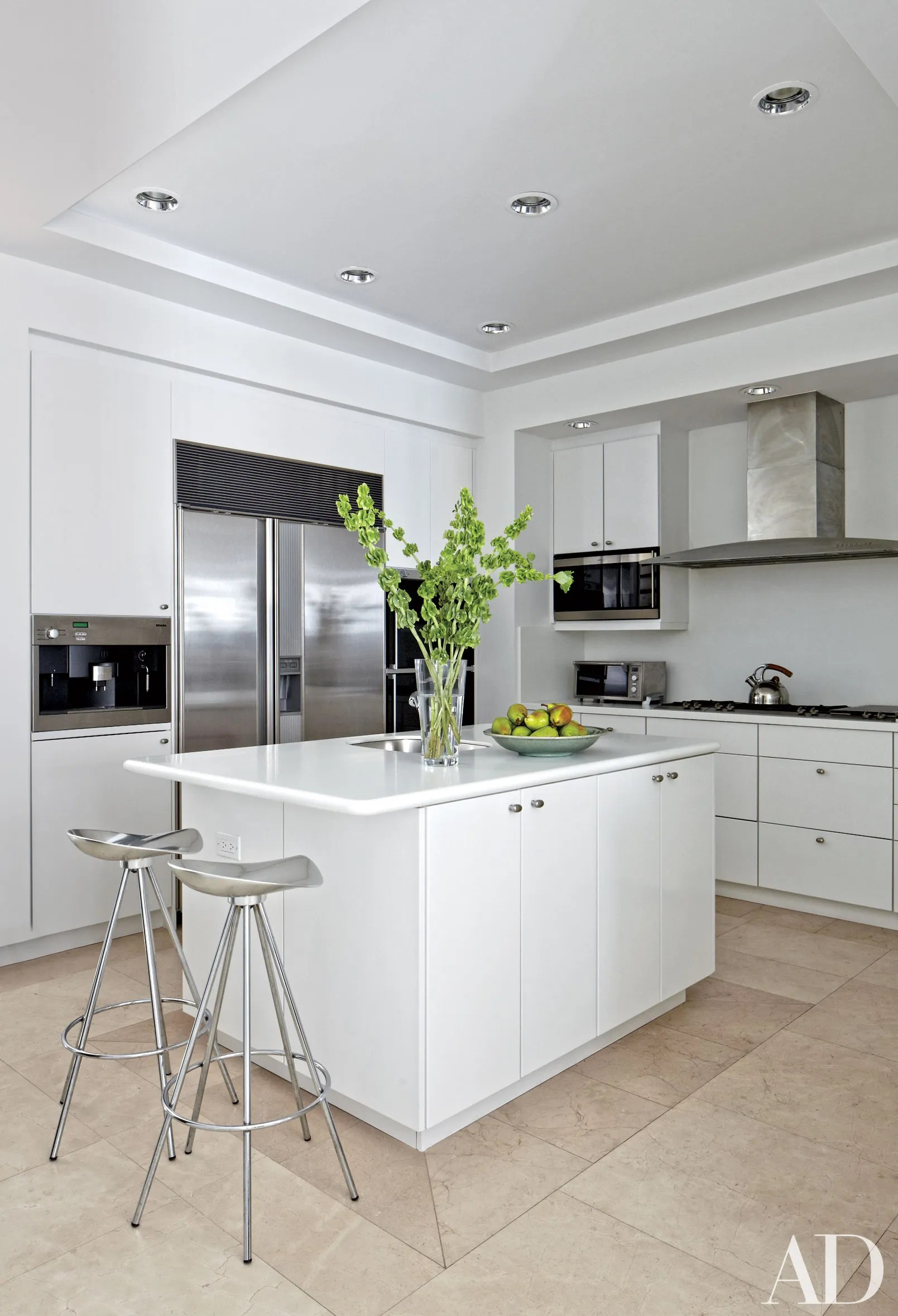 Small Kitchen Ideas White Cabinets White Kitchens Design Ideas Photos Architectural Digest