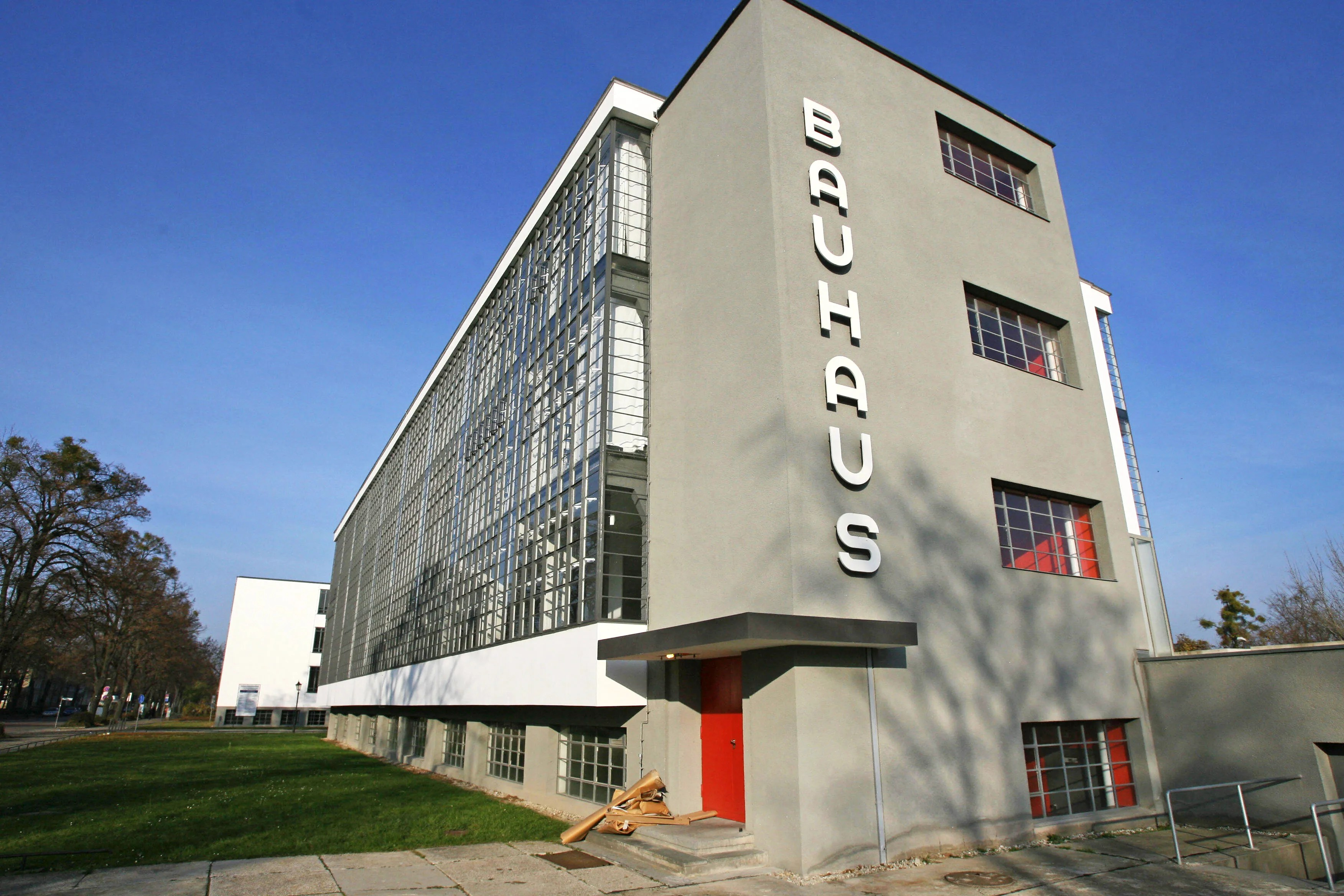 Bauhaus Architekt Walter Gropius And Bauhaus Architecture Photos